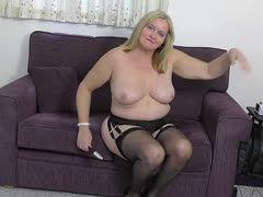Blondes Milf vollbusiges Dickes Dickes Sperma
