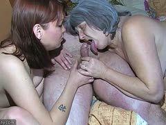 Perverse alte Menschen beim tabulosen Dreier